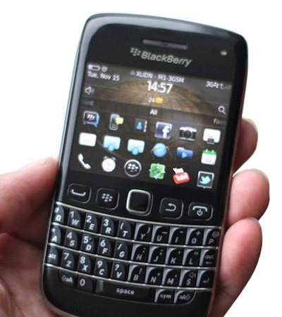Blackberry-Bold-9790-1