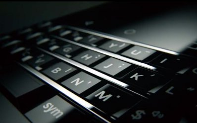 BlackBerry KeyOne Black Edition sở hữu bàn phim QWERTY truyền thống