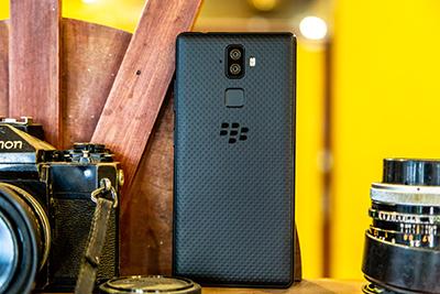 Blackberry Evolve mang thiết kế mới, năng động.