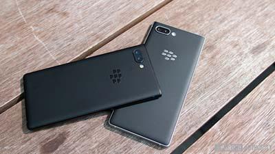 BlackBerry KEY2 với hai tông màu sang trọng Silver và Black