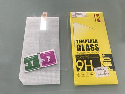 Cường lực Tempered Glass Samsung Galaxy J4 và bộ trợ dán
