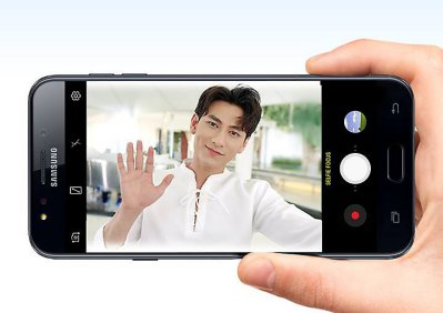 Galaxy J7 Plus thỏa sức selfile với camera 16 MP
