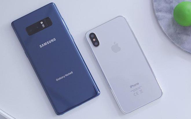 Hình Ảnh so sánh samsung galaxy note 8 với Iphone 8