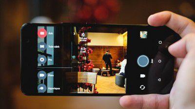 Camera với nhiều tính năng hữu ích