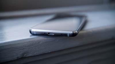 Điện thoại HTC U12 Plus đã loại bỏ jack 3.5mm truyền thống.