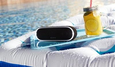Loa Sony SRS-XB 20 với tính năng chống thấm nước.
