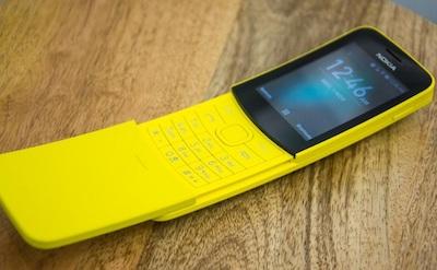 Nokia 8110 với màn hình màu, hổ trợ hiển thị sáng sắc nét