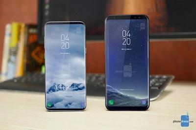 Galaxy S9 (bên trái) bên cạnh Galaxy S8 +