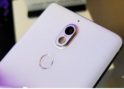 Camera trên Nokia 7 là 1 ống kính Zeiss giúp bạn trảinghiệm như trên Nokia 8