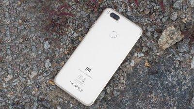 Thiết kế mặt sau Xiaomi Mi A1