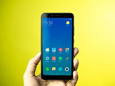 Mặt trước của Xiaomi Redmi 6A.