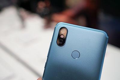 Xiaomi Mi A2 trang bị camera kép