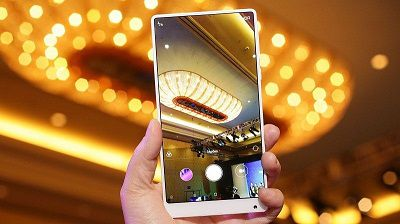 Xiaomi Mix 2 việc lấy nét cực nhanh, màu sắc tốt.
