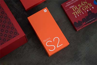 Cách đóng hộp vẫn giữ nguyên nét truyền thống của Xiaomi.