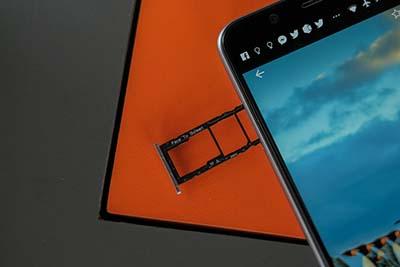 Dual Sim và Mirco SD đều được tích hợp trên Zenfone Max Pro