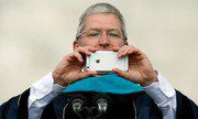 CEO Apple: 'Bạn sẽ không thể sống mà thiếu iPhone 7'